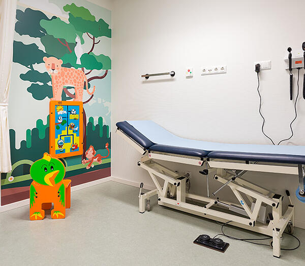this image shows a kids corner in a treatment room in a hospital